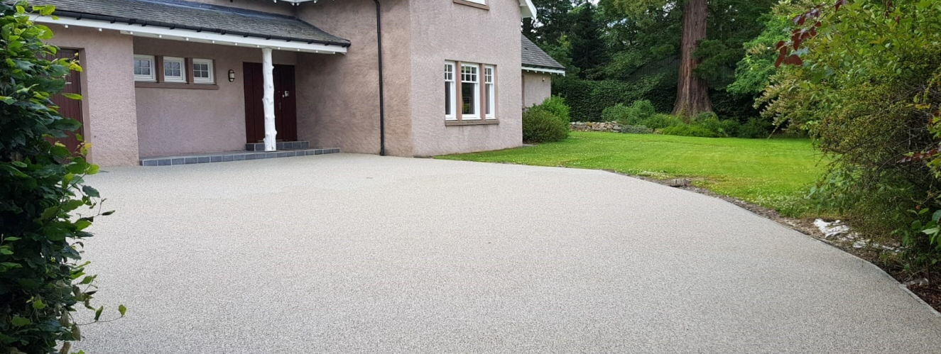 <h2>DRC your only approved Vuba Resin Bound installer throughout Aberdeenshire</h2><div class='slide-content'></div>